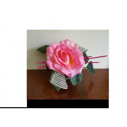 composition florale avec une rose
